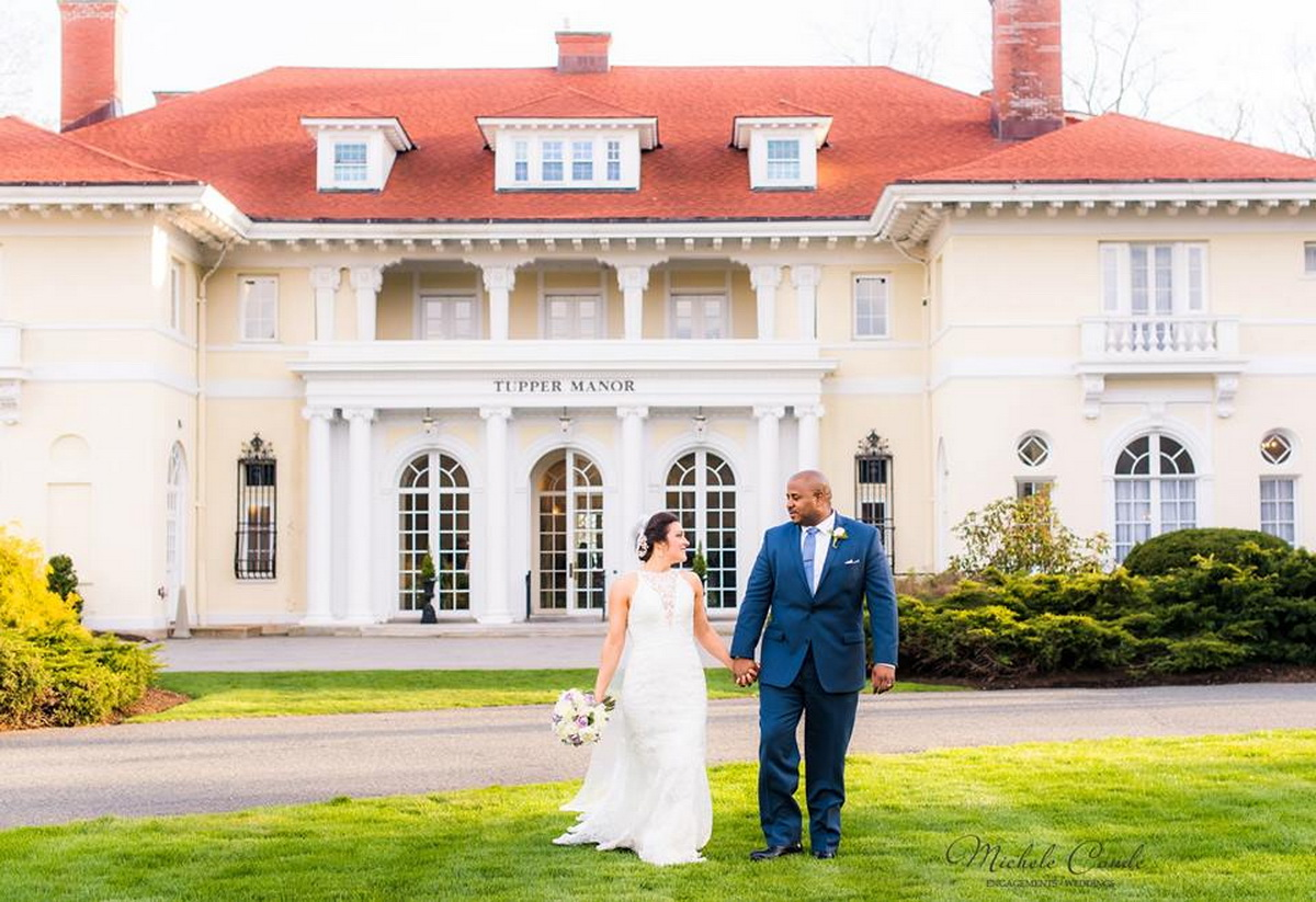 Tupper Manor wedding couple outside